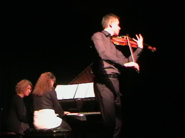 Piano y Violín.