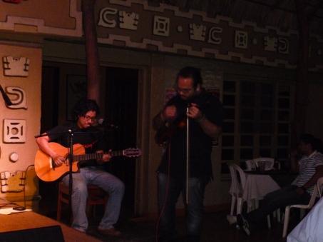 Omar Suazo - Guitarra